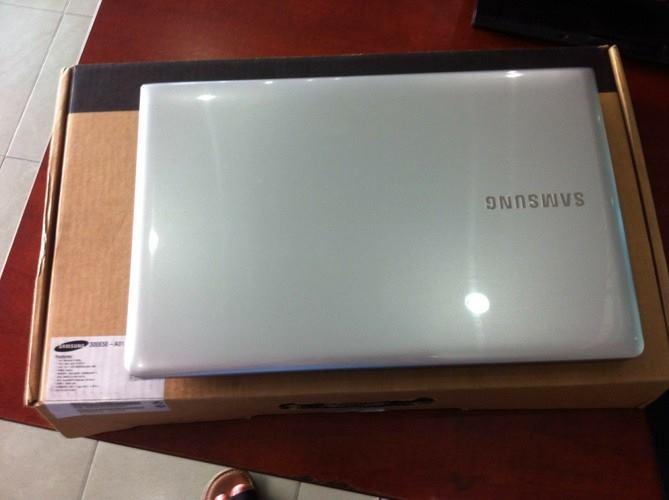 laptop SamSung NP300E5E