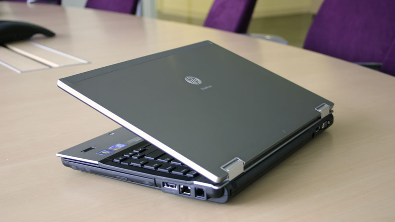 Laptop cũ HP EliteBook 8440p Core i5-520M, RAM 2GB, HDD 250GB