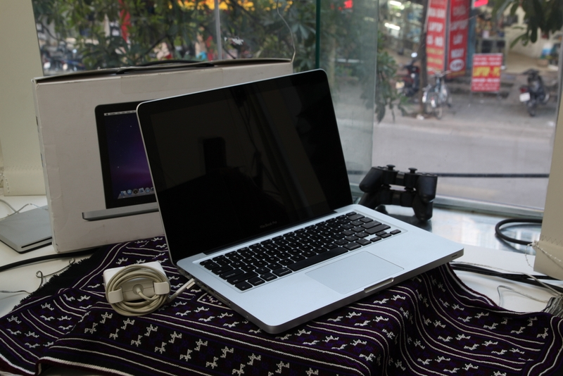 MACBOOK PRO 13 INCH EARLY 2011 Core i7 2.7 Ghz